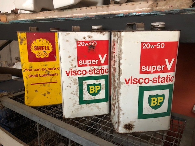 Oil Cans - vintage