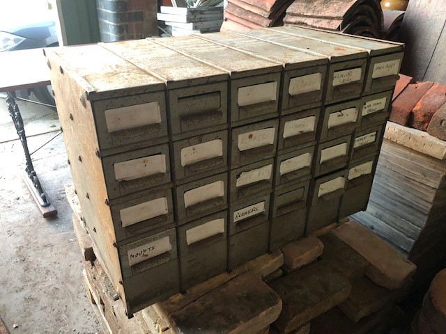 Pigeonhole parts storage drawers