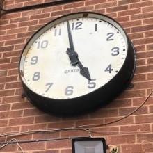 Clock - Large Factory Slave Gent model