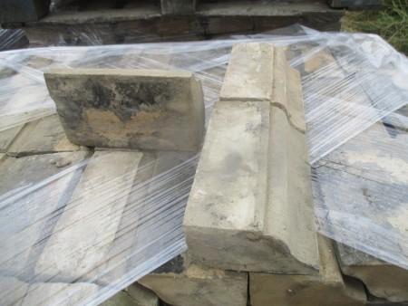 Suffolk White plinth bricks