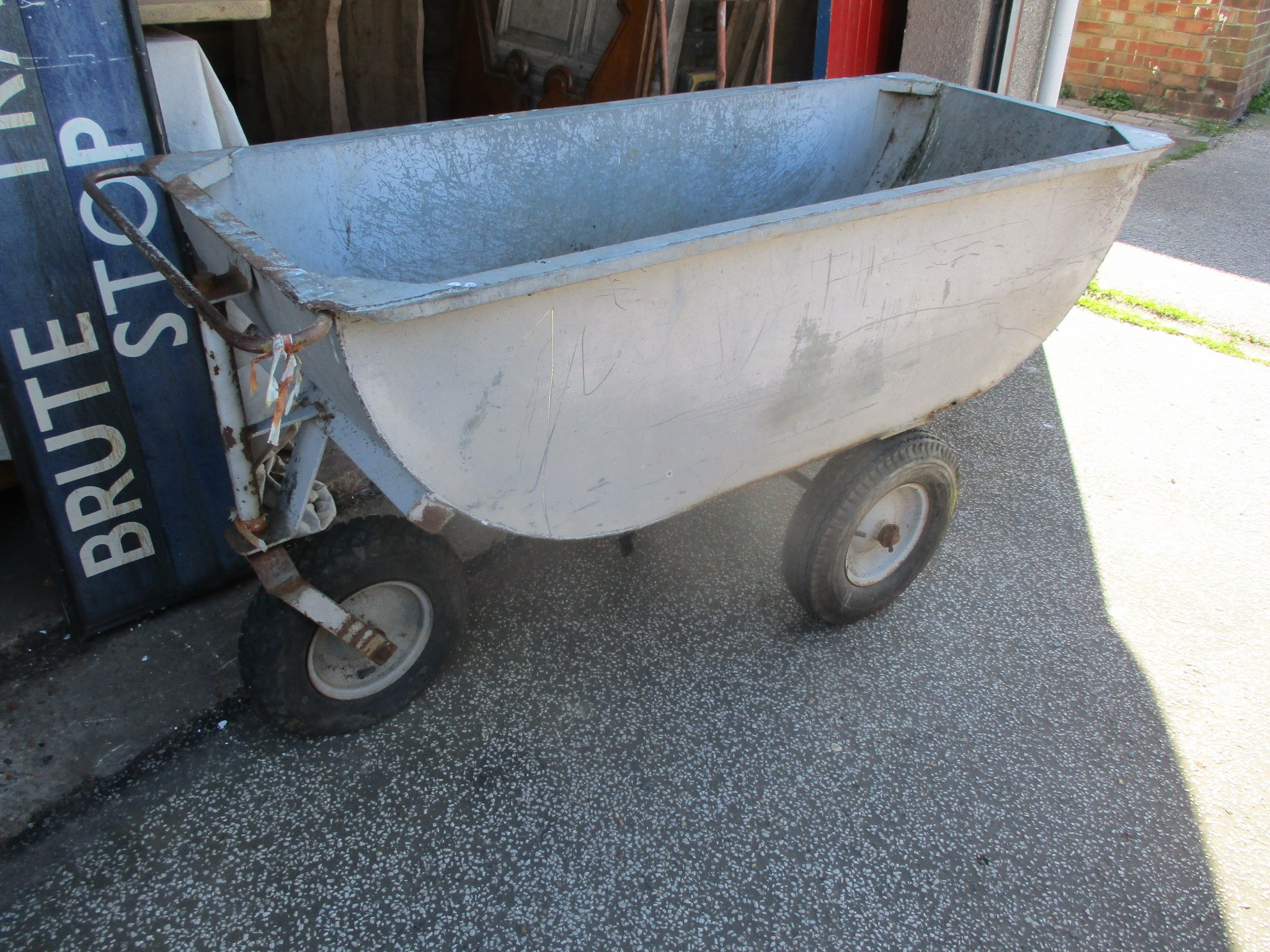 Ritchie Manufacturing of Scotland 3-wheeled agricultural trolley cart
