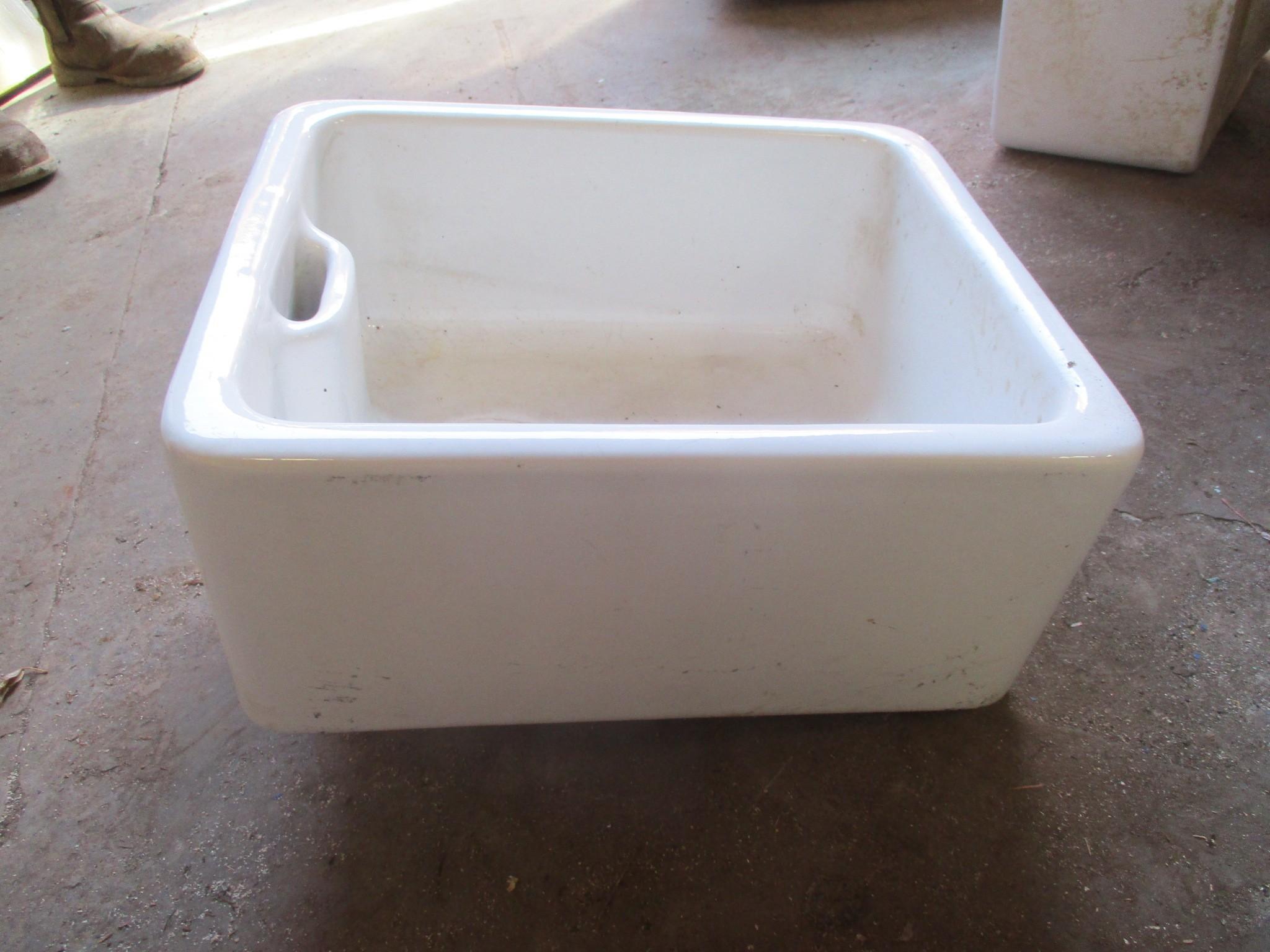 Butler Sinks - Armitage Shanks butler sinks - 18