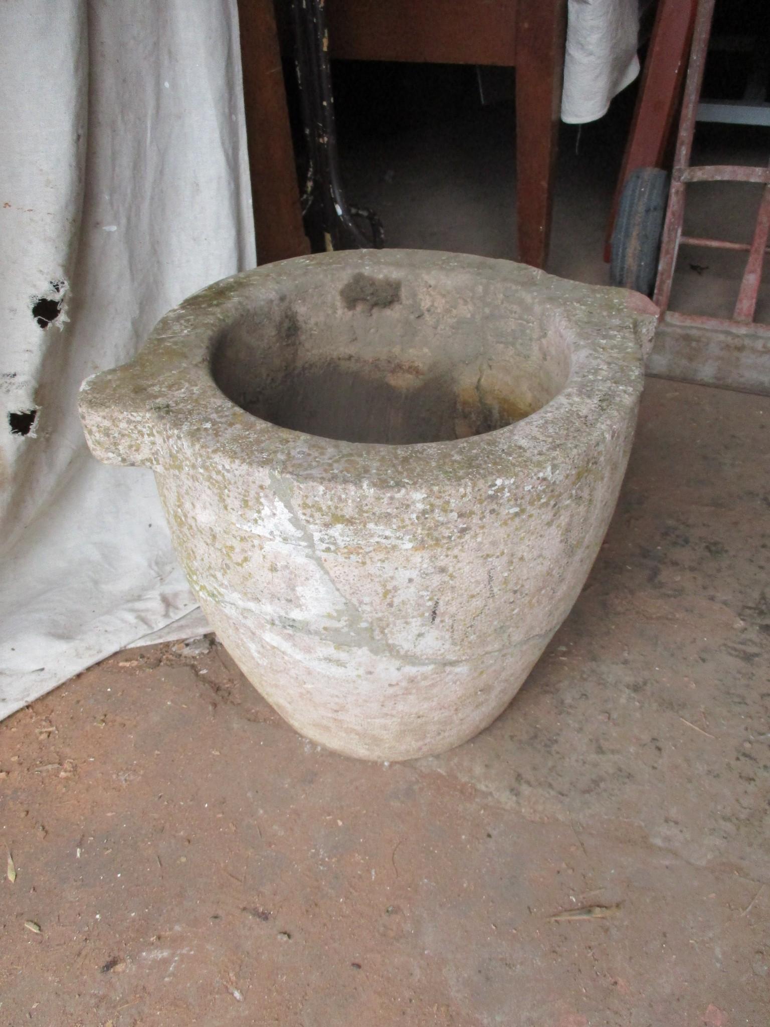 Planter - Red Granite Mortar 18