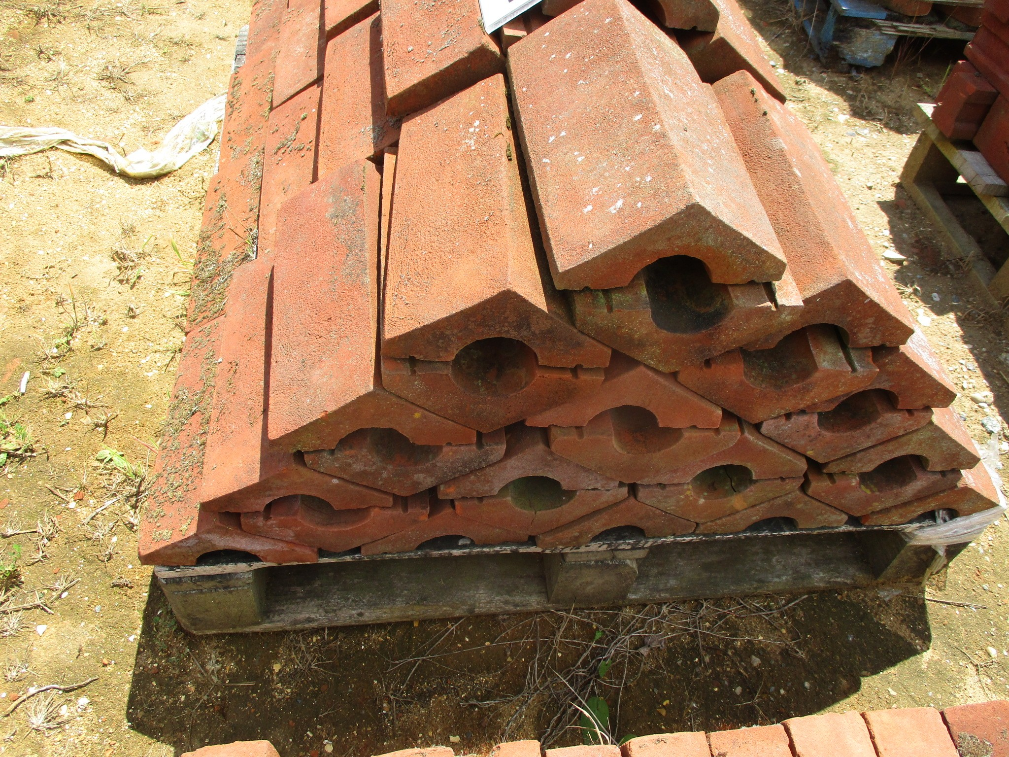 Triangular RED brick copings - many sizes available