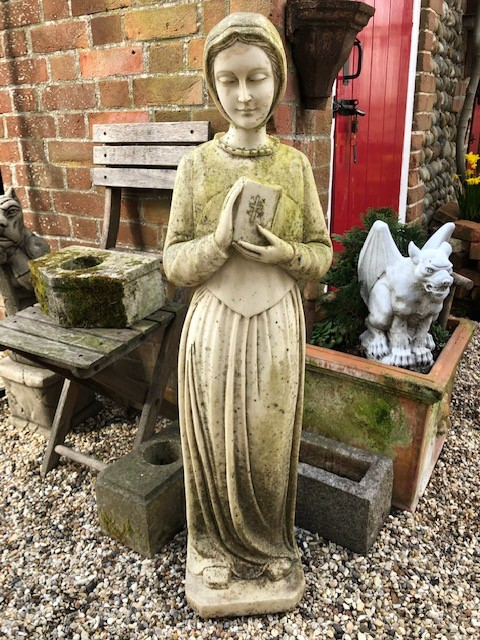 Statue of worshipper