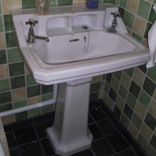 Shelved Sink and 6